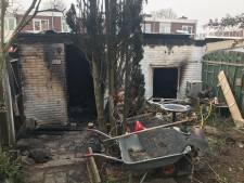 Heftige schuurbrand in Nijmegen: 'Ik voelde de warmte het huis al binnenkomen'