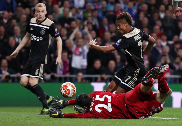 Thibaut Courtois is kansloos tegen Ajax. Andermaal. Beeld REUTERS