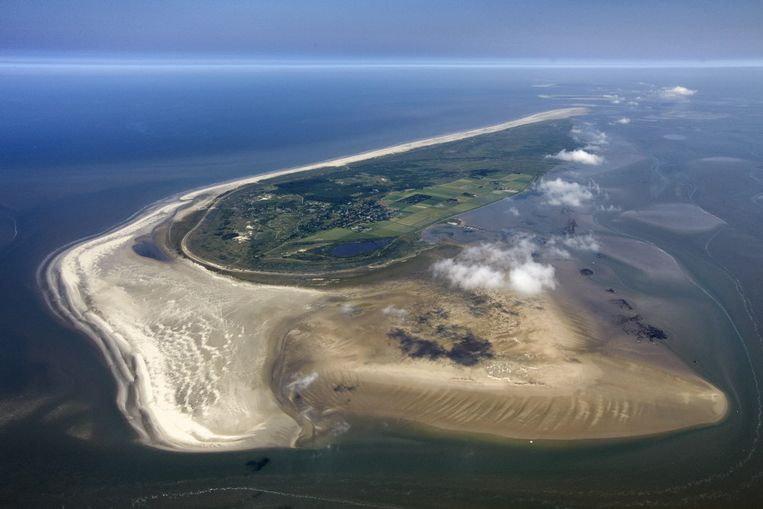 De Waddenzee, met hier Schiermonnikoog, viert haar tiende verjaardag als werelderfgoed. Beeld foto: Marco van Middelkoop