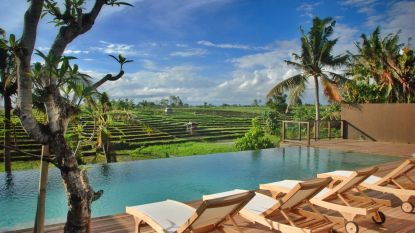 WOONVIDEO. Dieter en Bart bouwden op Bali hun droomvilla met zicht op een uitgedoofde vulkaan