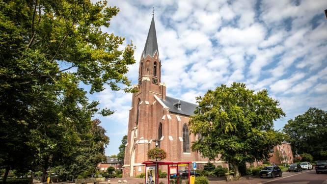 Vasse wil de kerk behouden, maar zonder kantoren of wilde feesten