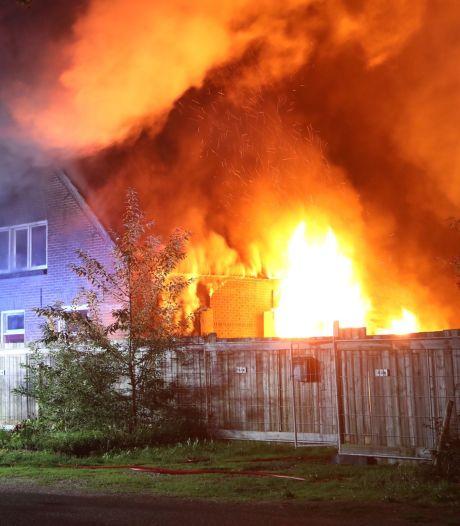 Twee honden overleden bij uitslaande brand in woning Oss