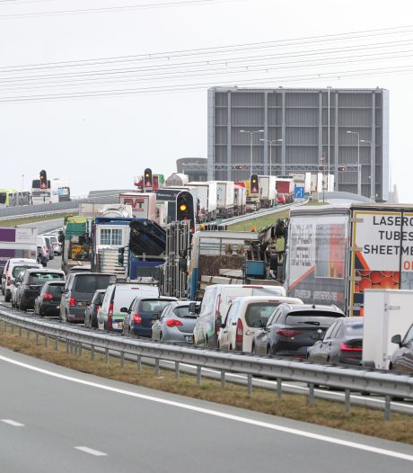 Ramspolbrug in de N50 weigert dienst: lange files tussen Kampen en Emmeloord