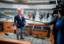 In oktober gaf staatssecretaris Knops een rondleiding door het nog te betrekken tijdelijke pand van de Tweede Kamer.