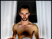 Shorttracker De Laat over zijn bijzondere hobby: 'Ik ben die guy met die sicke helm'