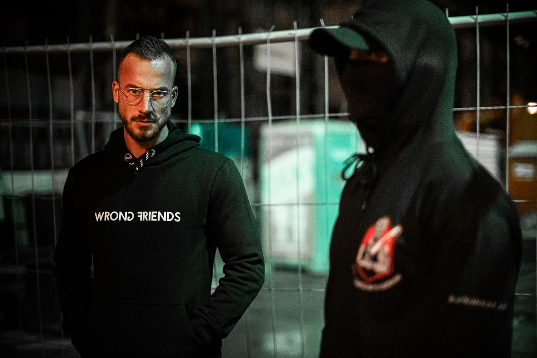Portret van Max Wijnen (herkenbaar) en een collega. Beide mannen noemen zich 'pedojagers'.  Beeld Joris van Gennip