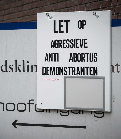 'Agressieve' demonstranten staan weer voor deur bij abortuskliniek, baas hoopt dat gemeente snel ingrijpt