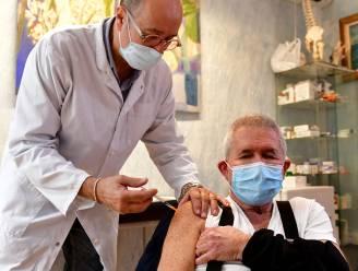 Britse medicijnentoezichthouder zet vaart achter vaccins tegen coronavarianten