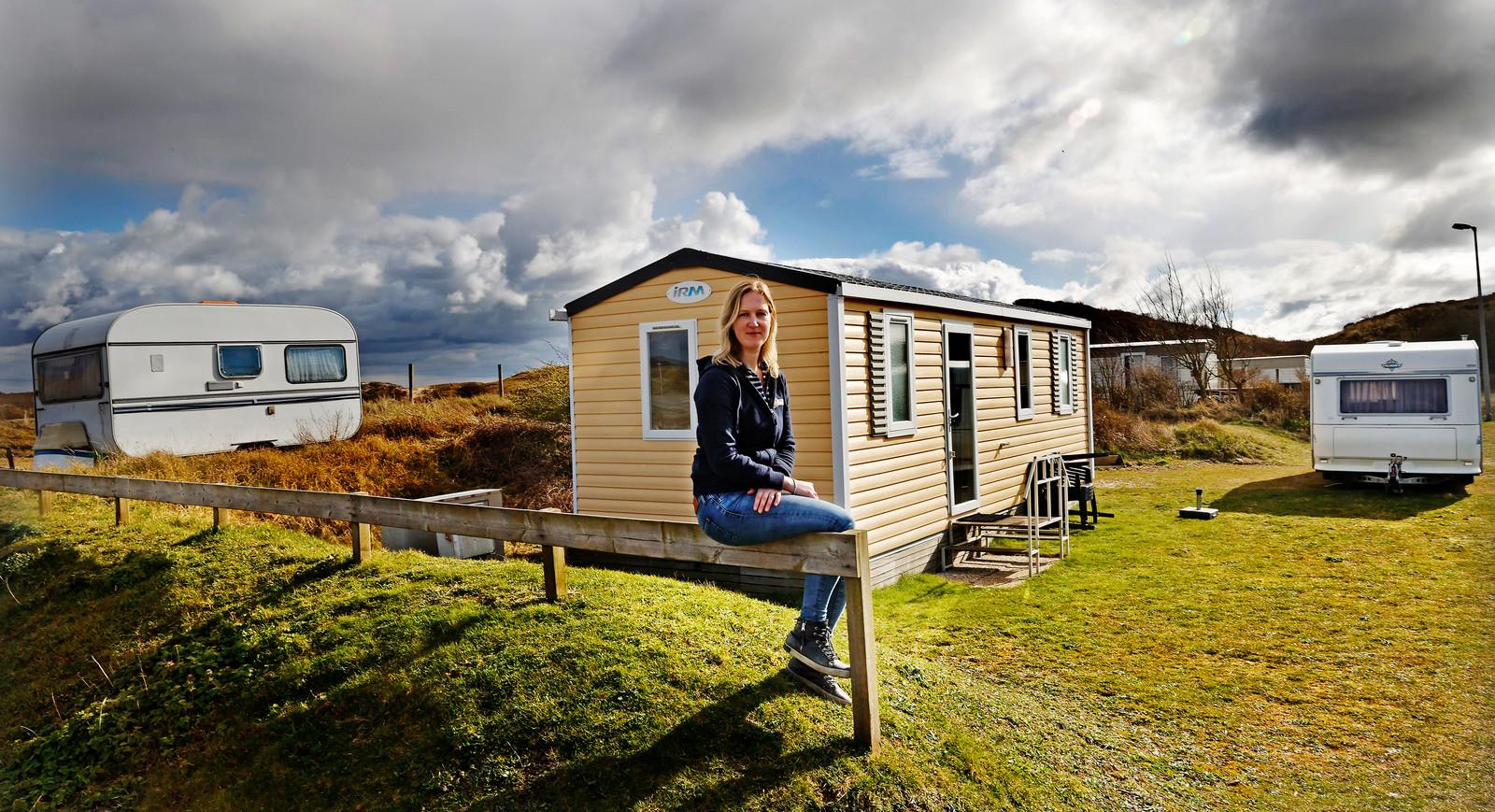 Rozemarijn Dees op haar Strandcamping Zuidduinen in Katwijk.