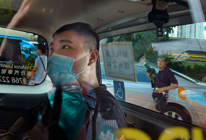 Tong Ying-kit op weg naar de rechtbank, eerder deze maand