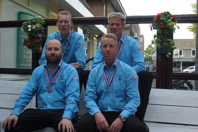 Onder vlnr: Wim van Dijck en Erwin Hens. Boven vlnr: Paul Bruijstens en Guus van Grinsven.