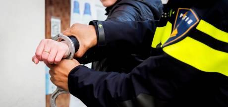 Politie doet meerdere invallen in regio Utrecht in onderzoek naar 'grootschalige' drugshandel en witwassen