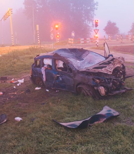 Bestuurder die crashte in Zeewolde had auto van iemand geleend, man nog spoorloos
