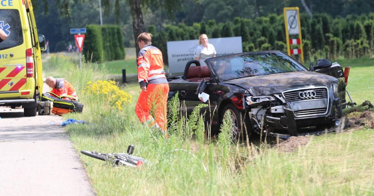 Fietser ernstig gewond bij ongeluk op N345 in Klarenbeek.