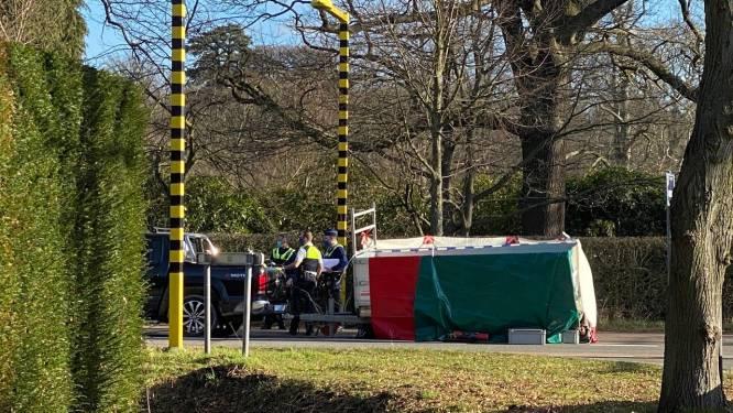 """Fietsertje (7) overleden na aanrijding op kruispunt in Schoten: """"Heel grote verslagenheid"""""""