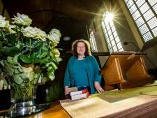 Oude Kerk in Naaldwijk krijgt eerste vrouwelijke dominee: 'Digitaal kerkbezoek blijft ook na corona'