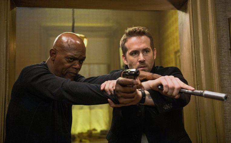 Samuel L. Jackson (links) en Ryan Reynolds in 'The Hitman's Bodyguard'. Beeld