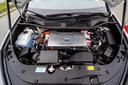Onder de motorkap geen cilinders maar een brandstofcel.