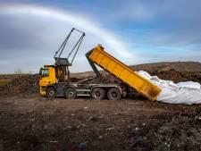 De asbestberg groeit, en niemand durft zich te branden aan een oplossing