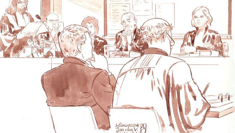 Oud-Bouwfondsdirecteur Jan van V. (L) en zijn advocaat Wilem Koops (R) Beeld