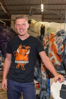Stoere marinier Jordy (28) is dé corso-ontwerper in Vollenhove: 'Het moet emotie oproepen'