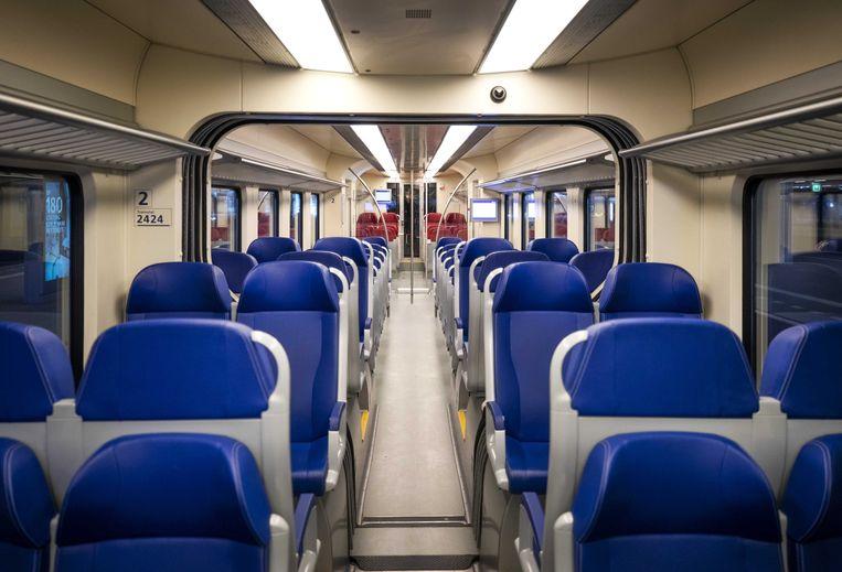 Een lege treincoupé op station Den Haag Centraal. Beeld ANP