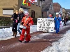 Illegale Groesbeekse carnavalsoptocht leidt tot file én tientallen toeschouwers op straat