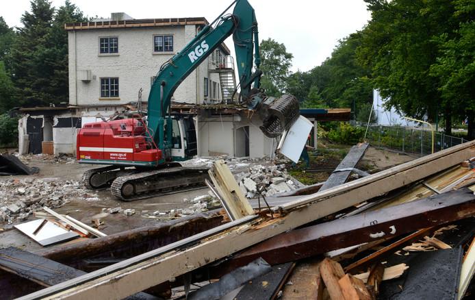 Het oude restaurant/hotel de Donderberg in Leersum wordt gesloopt.