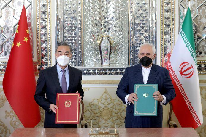Le ministre chinois des Affaires étrangères, Wang Yi, et son homologue iranien Mohammad Javad Zarif
