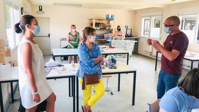 Soroptimist Oudenaarde Vlaamse Ardennen schenkt naaimachines aan Bernardusdriesprong