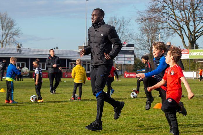 ROOSENDAAL Pix4Profs / Marina Popova.  PSV-voetballer Jordan Teze komt woensdagavond een training geven bij zijn ouwe cluppie RSC Alliance in Roosendaal.