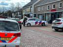 De politie doet onderzoek bij Inverno, waar donderdagmiddag een overval werd gepleegd.