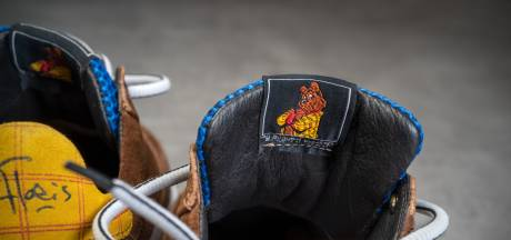 Floris V. Bommel brengt met sneaker hommage aan Olivier B. Bommel