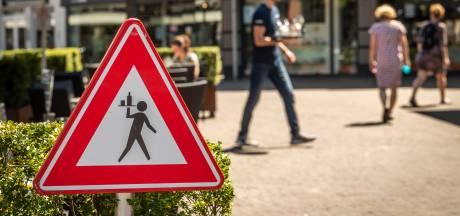 Nieuwsoverzicht | Horecaondernemers voeren dinsdag actie - Bredanaar met dood bedreigd na kritiek op hangjongeren