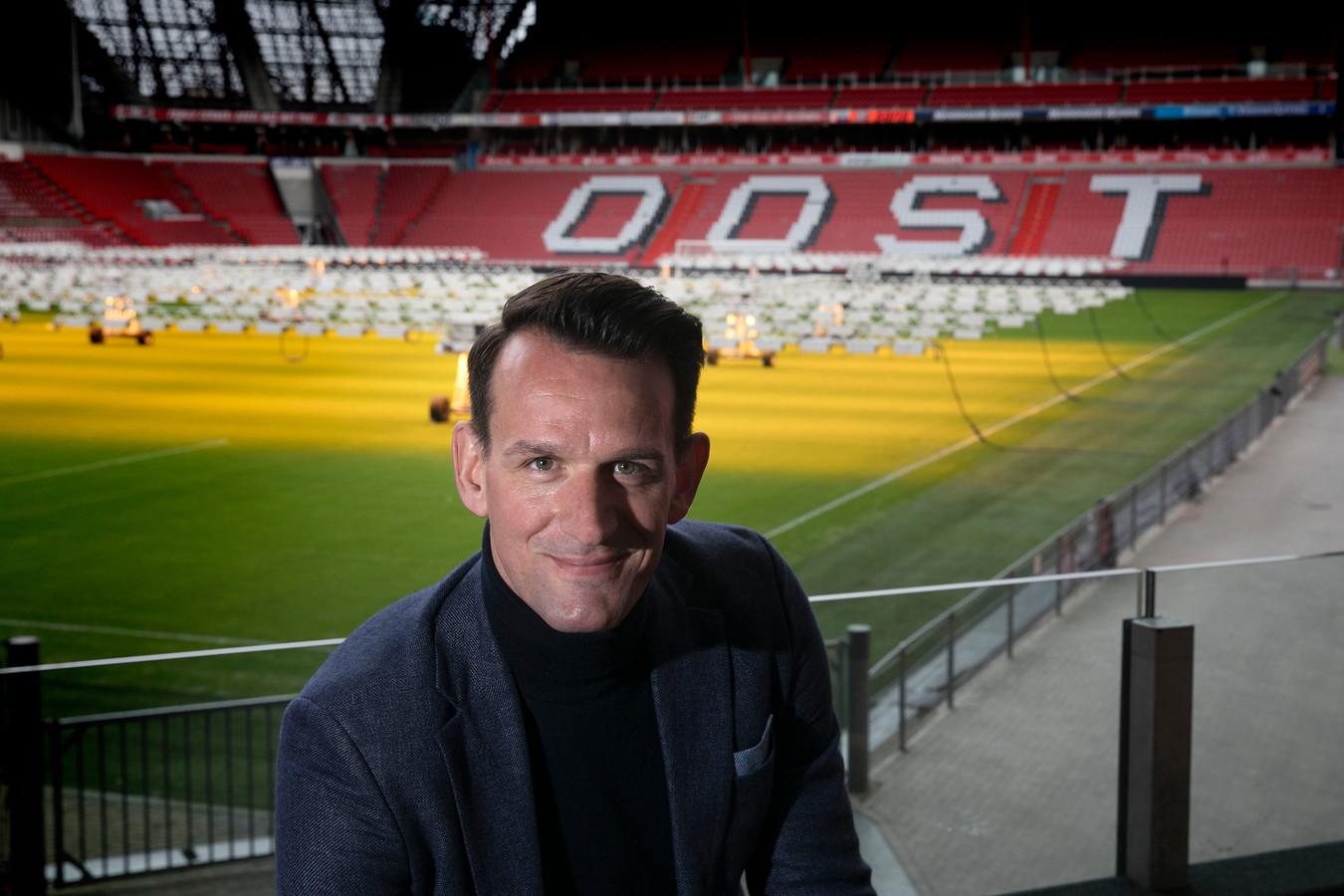 Jan Vennegoor of Hesselink schuift bij PSV iets meer op richting de directie en gaat zijn rol als hoofd scouting achterlaten.