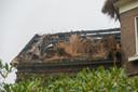 De brand in de villa in Voorst laat zaterdag nog flinken sporen na.