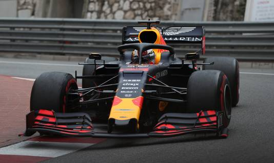 Max Verstappen op het circuit van Monaco.