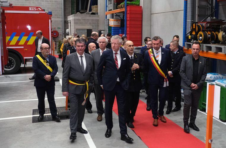 Nieuwe kazerne Deerlijk en Anzegem officieel geopend in aanwezigheid van minister De Crem .