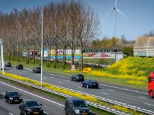 Ongeluk op A2 bij Waardenburg, traumaheli landt op snelweg, de weg is weer vrij