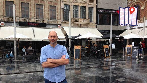 Bjorn Ruytinx op zijn lievelingsplein in Leuven. Hij hoopt op een leuke invulling in de toekomst.