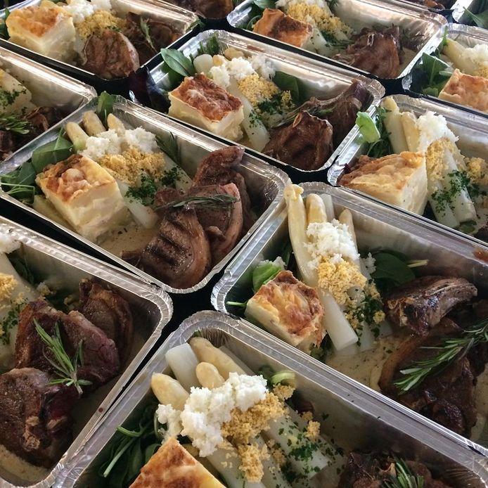 Lamskotelet met asperges en gratinpatatjes vind je bij Monida Bistro-Cremerie.