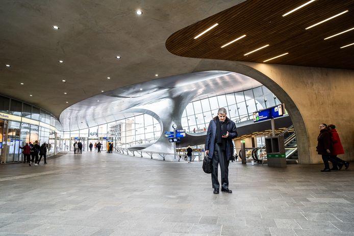 Station Arnhem Centraal, geopend in november 2015.