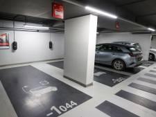 Brandweer: Elektrische auto in parkeergarage kan gevaar zijn