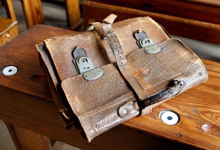 Oude schooltas in het Onderwijsmuseum. Beeld ANP