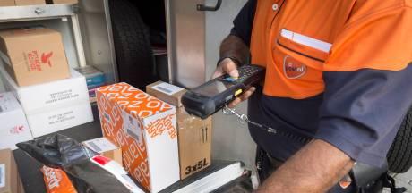 Meerkerk krijgt een 'postkantoor' met Meerkerkse cadeau-artikelen op het Raadhuisplein