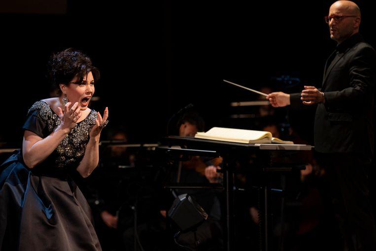 Marina  Rebeka in Donizetti Queens in Concert met dirigent Enrique Mazzola. Beeld Ben van Duin