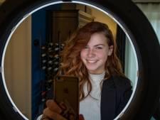 Nova (17) uit Creil is met 160.000 volgers razend populair op TikTok: 'Ik was altijd onzeker'