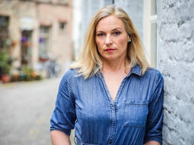 """Tweeling van Katrien (48) krijgt corona-pv, omdat ze met drie vriendinnetjes in park zaten: """"Mijn dochters voelen zich misdadigers, terwijl ze zelfs niet naar hun grootouders durven gaan"""""""