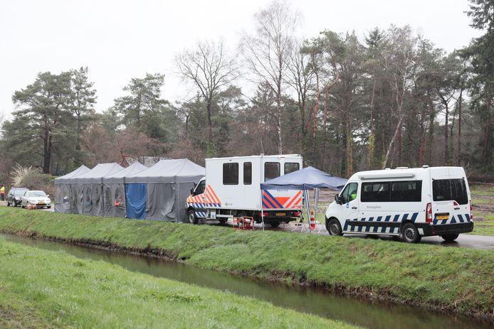 De politie houdt momenteel een grote controle op Vakantiepark Calluna in Ommen.