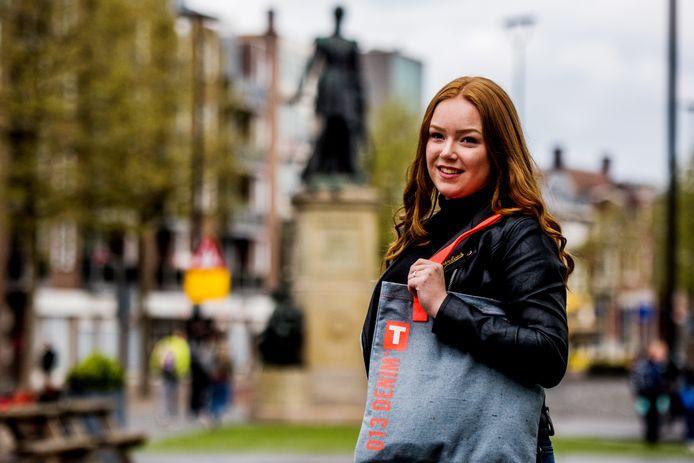 Maud van Irsel draagt haar tas voor het eerst, koning Willem II is op 27 april aan de beurt.